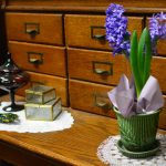 Antique Furniture & Decor